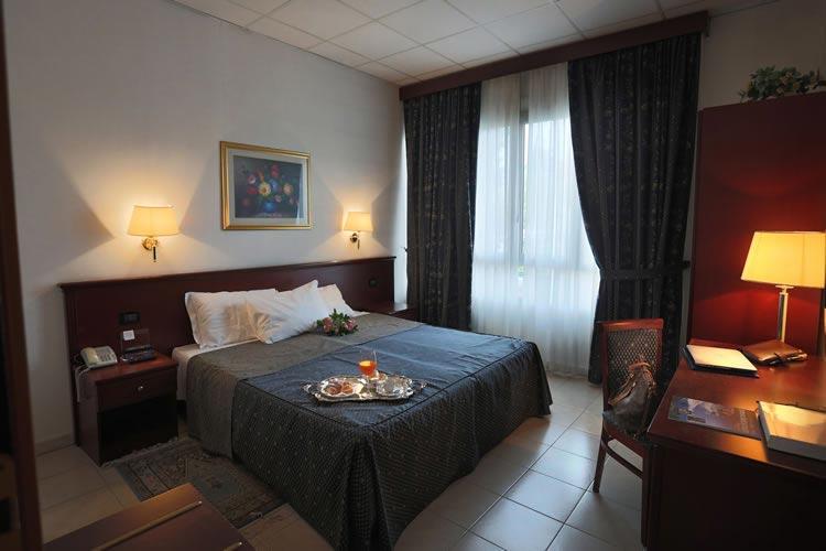 Camera Matrimoniale A Brescia.Dormire A Brescia Hotel Per Disabili Brescia Con Camere Accessibili